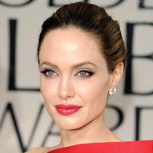 Форма бровей Анджелины Джоли