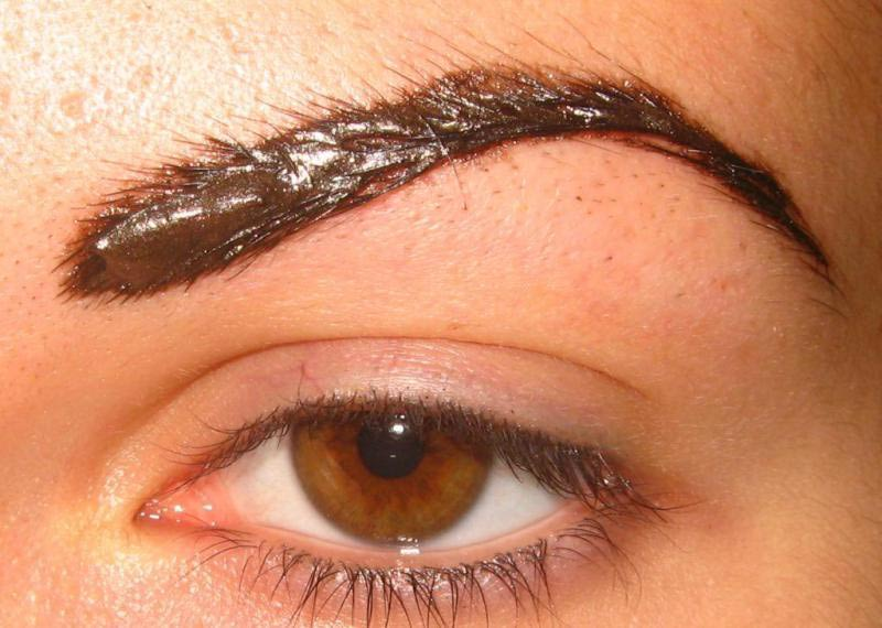 Процесс выдерживания коричневой краски